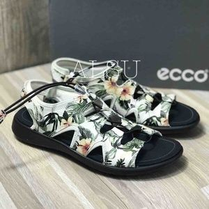 ECCO Soft 5 Toggle Sandal Leather Flower Print